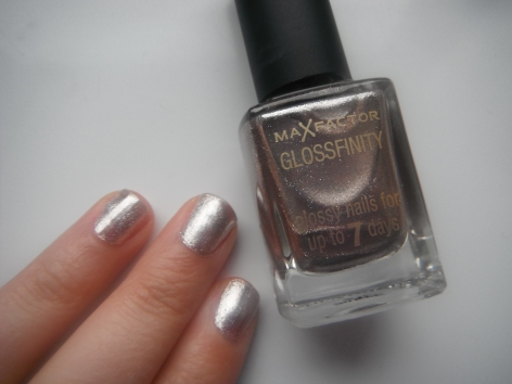 max-factor-angel-nails