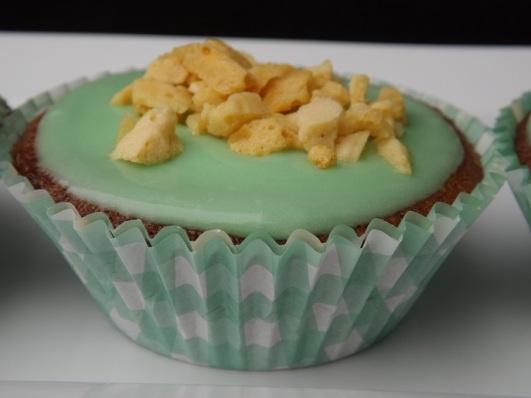 green-gold-cupcake