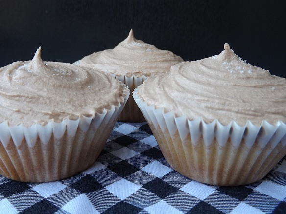 salted-nutella-cupcakes
