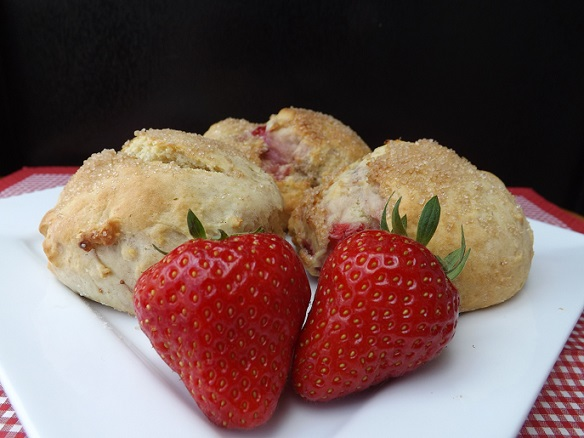 strawberry-sugared-scones