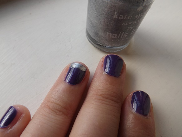 simple-accent-nail