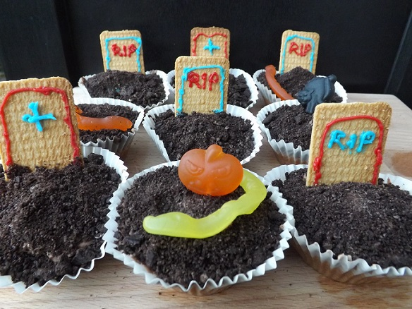 deathly-chocolate-cupcakes