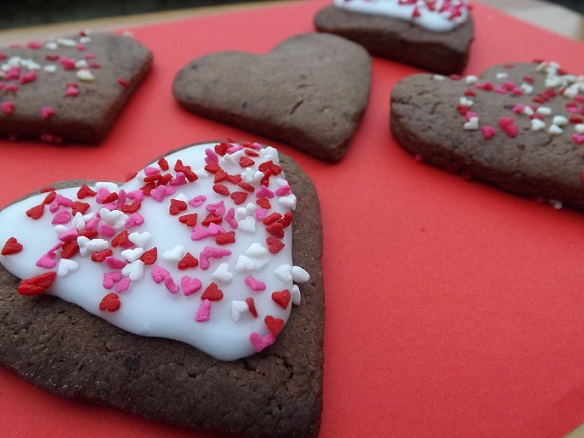 heart-shaped-iced-cookies