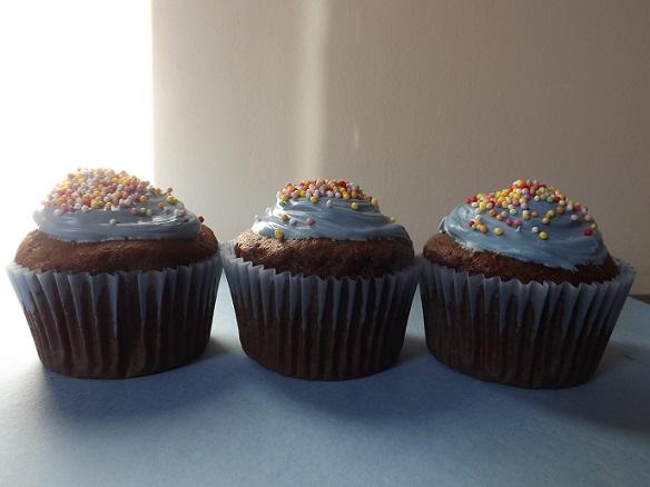 blue-choc-cupcakes