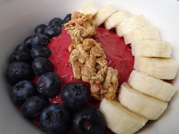 frozen-raspberry-fruit-bowl