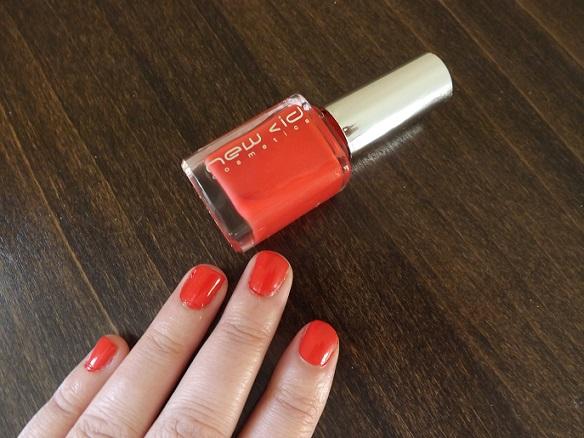nail-polish-free-with-cosmo