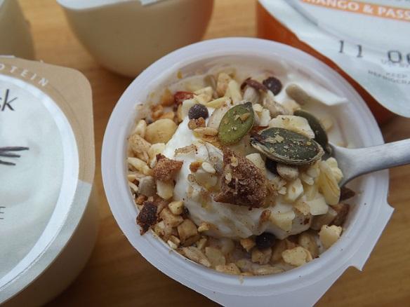 glenisk-topped-yogurt