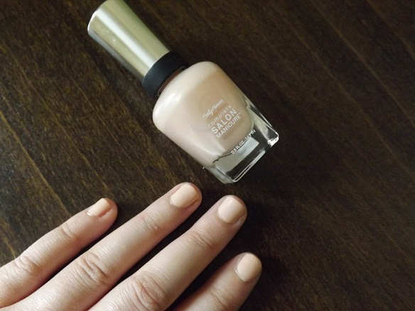 sally-hansen-nude-nails