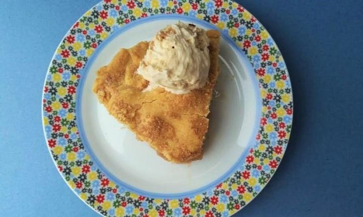 apple-pie-caramel-icecream