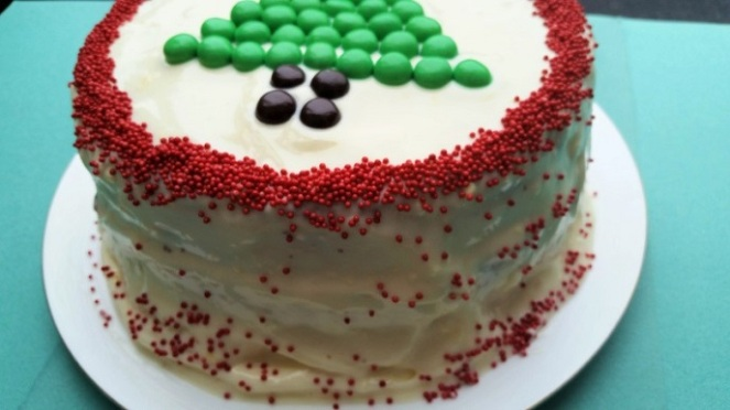 red-green-cake