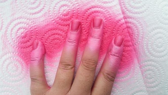 pink-sprayon-polish